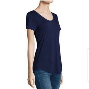 a.n.a. Scoopneck Tshirt in Navy Blue